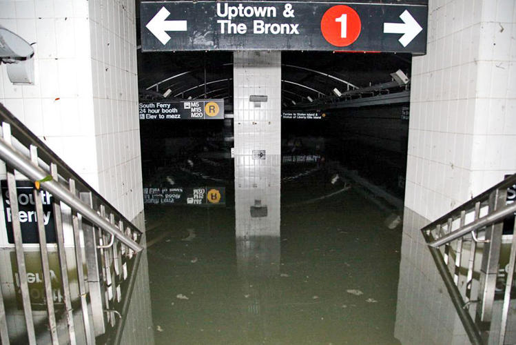 <p>The South Ferry station being pumped out. Photo: Leonard Wiggins.</p>