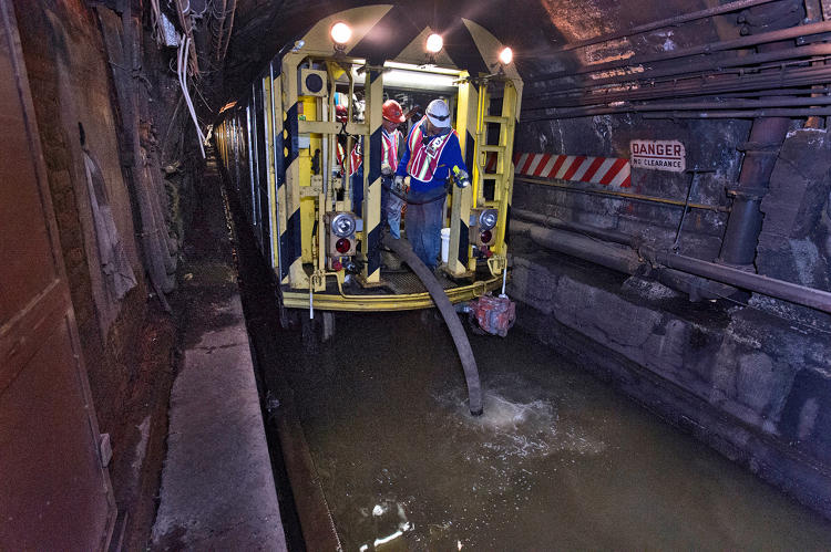 <p>Working in the L train tunnel under the East River. Photo: Patrick Cashin.</p>