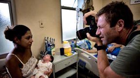 The Two Faces Of Aaron Eckhart: Actor--And Photojournalist