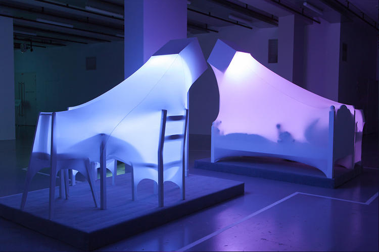 "<p>The sculptures are meant to reflect ""human solitude despite constant connectivity.&quot;</p>"