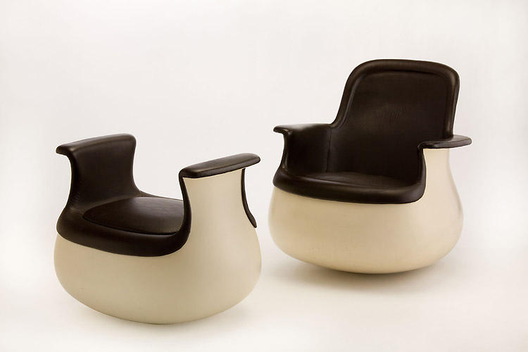 <p>Armrest chair with a stool by Marc Held for Knoll (1965 to 1967).</p>