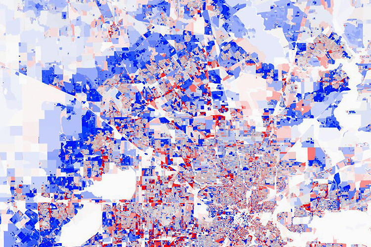 <p>DataPointed plotted population change in the United States from 2000 to 2010 to show how &quot;growth rings&quot;--patterns in which expanding suburbs and bustling city centers surround urban dead zones--define the narrative of many American cities.</p>