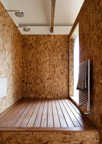 <p>OSB even makes its way into the showers.</p>