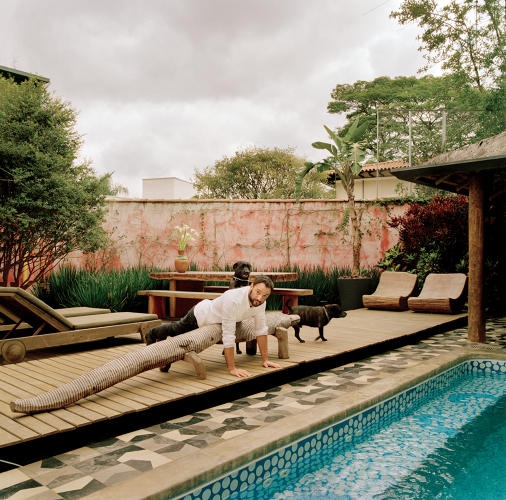 <p>Pushing Against the Limits of Design: Rosenbaum at home in São Paulo's Pinheiros neighborhood</p>