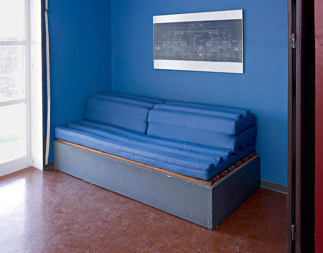 <p>Engrenage, a convertible bench by Fanny Pellegrin.</p>