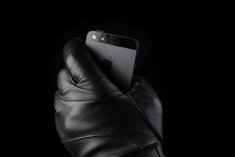 <p>The gloves get their touchscreen magic from some sort of nanotechnology, and a coating makes them water- and windproof.</p>