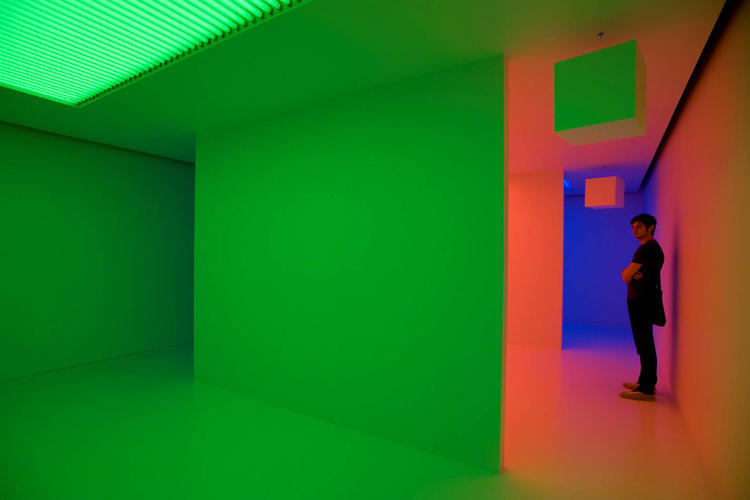 <p>Artists like Dan Flavin and Olafur Eliasson have worked with similar concepts, though Cruz-Diez was one of the first to experiment with this kind of immersive light environment.</p>