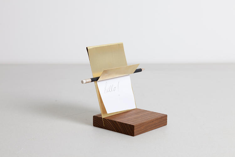 <p>A small Note Holder by llot llov.</p>