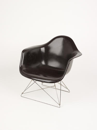 <p>The Eames, of course, also made the cut.</p>