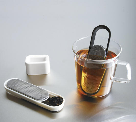 <p>For tea lovers, loose tea is superior to the bagged stuff. But it's also often inconvenient or messy. Not anymore with the Loop Tea Strainer.</p>