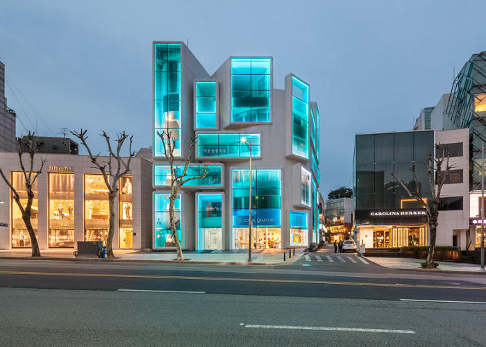 <p>The design, which was just completed, transforms the Chungha building into a glitzy showcase for the business inside.</p>