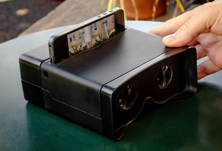 <p>Made of ABS plastic, the device is button-free. Just drop in your iPhone into the slot and look through the viewfinder portholes.</p>