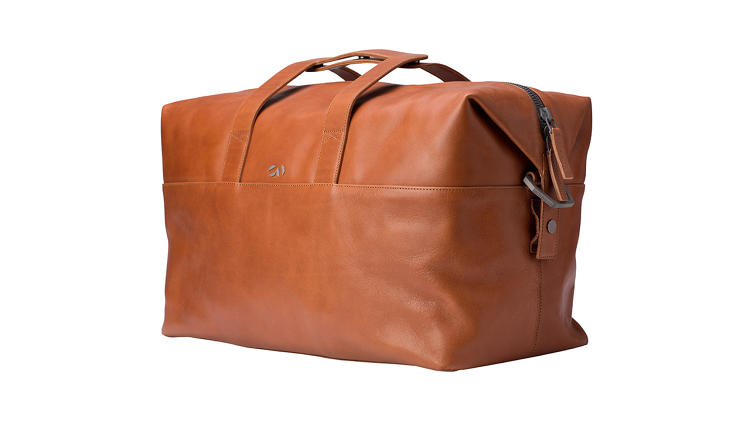 <p>The 48HR Bag includes a padded side pocket ideal for a 13-inch MacBook Air.</p>