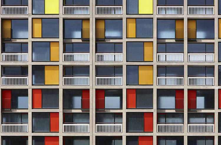 <p>Overseen by Hawkins/Brown in collaboration with Studio Egret West, the new Park Hill has only been partly realized. Some features the shortlisted architects introduced include a new polychromatic facade and expanded apartments.</p>
