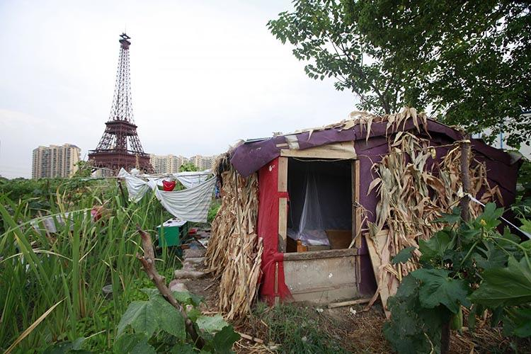 <p>A farmer's hut located just outside the town.</p>