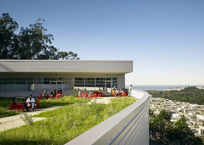 <p>The four terraced green roofs provide plenty of space for researchers to recharge. On clear days they even get views of the Golden Gate Bridge.</p>