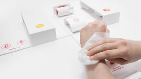 A First Aid Kit That's Designed For One-Handed Use
