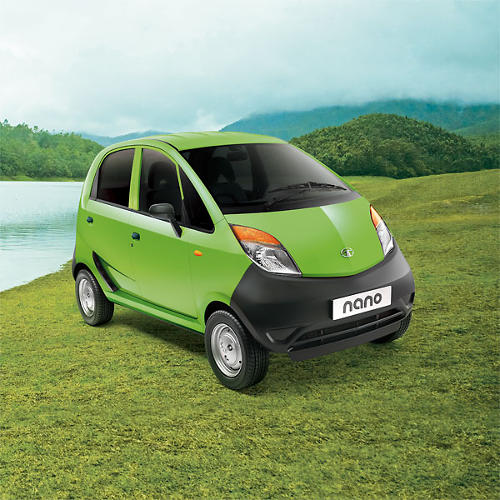 <p>Its small size and its high gas mileage (56 mpg in the Indian model) make it ideal for city driving.</p>