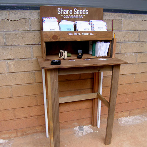 <p>Hawaiian guerrilla gardening organization Eating in Public has a new initiative to distribute pop-up seed sharing stations in communities around North America.</p>