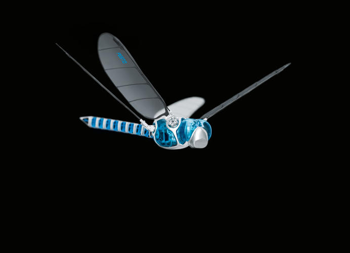 <p>Festo's BionicOpter takes its flight-engineering cues not from helicopter rotors or plane engines, but the four, sideways-flapping wings of the dragonfly.</p>