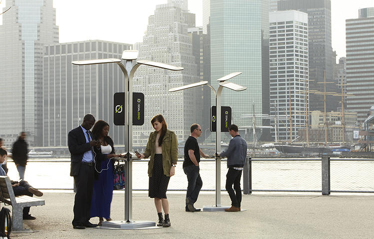solar powered public charging stations will keep new yorker 39 s phones running co exist ideas. Black Bedroom Furniture Sets. Home Design Ideas