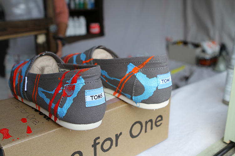 <p>Just offer three colors and an &quot;inspiration word&quot; for custom-designed Toms shoes or eyewear cases, and he'll dream something up for you.</p>