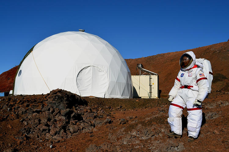 <p>For the last four months, six &quot;astronauts&quot; have lived on a Hawaiian mountain, simulating a trip to Mars. One of their tasks: Figure out what food you could make on the low-gravity surface of the red planet that wouldn't make astronauts go insane with boredom.</p>