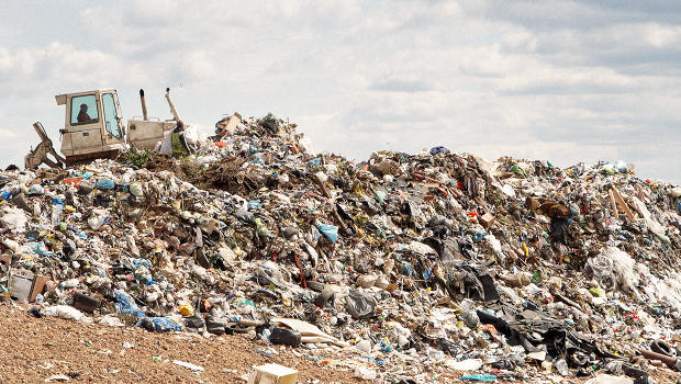 These Maps Show How Many Landfills There Are In The U.S ...