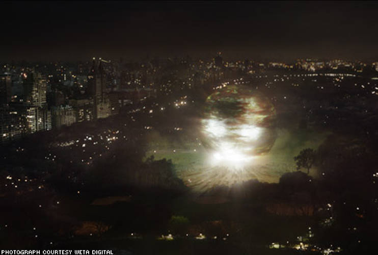 <p>&quot;Because the light is only really affecting the buildings that are closest to it, on the edge of the park, and because it's so far away, you don't pick up too much of the specific character of the light in the skyline.&quot;</p><p> - Joe Letteri, senior visual effects supervisor, Weta Digital</p>