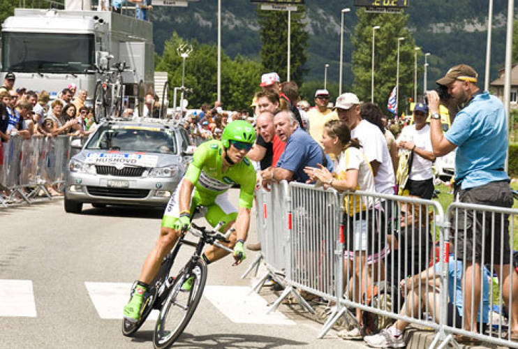 <p>Though he placed only 106th, Cervelo Test Team's Thor Hushovd was the highest point scorer with 280 points, gaining him the second spot on the Roll of Honor. He is seen here breezing his way around a corner in Doussard, Lac d'Annecy in an individual time-trial on July 23, 2009. <br /> Photo: <a href=&quot;http://www.flickr.com/people/marcophotos/&quot; target=&quot;_new&quot;>Marc Nicault</a> </p>