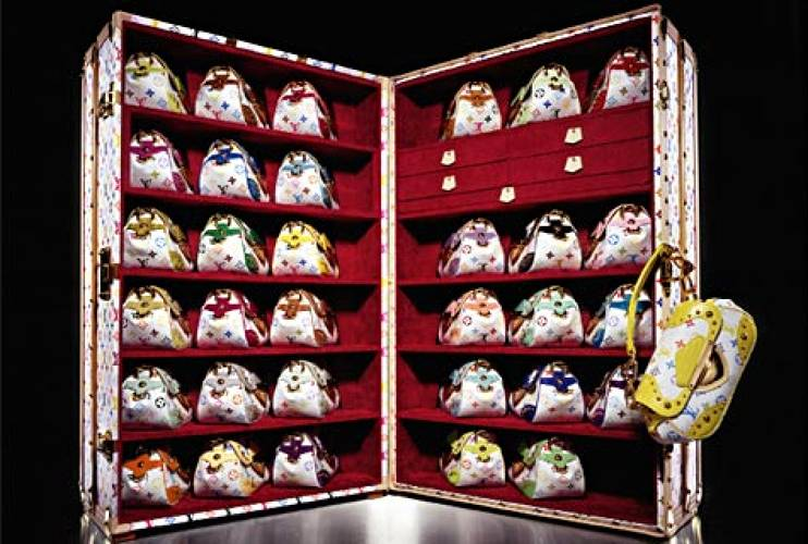 <p>Marilyn Trunk in the Multicolor Monogram (2007) by Takashi Murakami, containing 33 Marilyn handbags in each of the Monogram's 33 colors.  </p>
