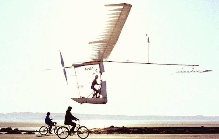 <p>Built by the same Aerovironment team as the Gossamer Condor, but with lessons learned in propulsion, aerodynamics, and a carbon fiber frame, the Albatross weighed just 70 pounds and had a 98-foot wingspan. On June 12 1979, piloted by Bryan Allen, it flew for 2 hours and 49 minutes, at a top speed of 18 miles an hour, and successfully crossed the English Channel. This flight won the second Kremer prize, designed to replicate the famous crossing by Louis Blériot in 1909.</p>