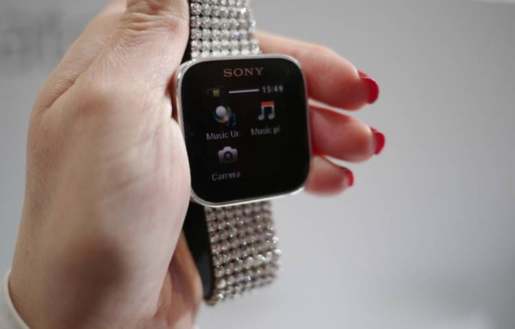 <p>Sony's smartwatch got a recent airing at the MWC, where its Android-companion skills (like taking photos via the phone's cam) were nicely demonstrated. Smartbling, anyone?</p>
