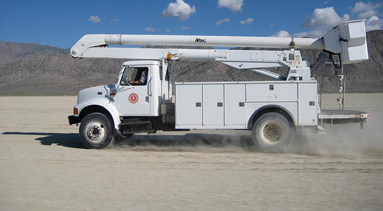 <p>The &quot;bucket truck&quot; of Burning Man.</p>
