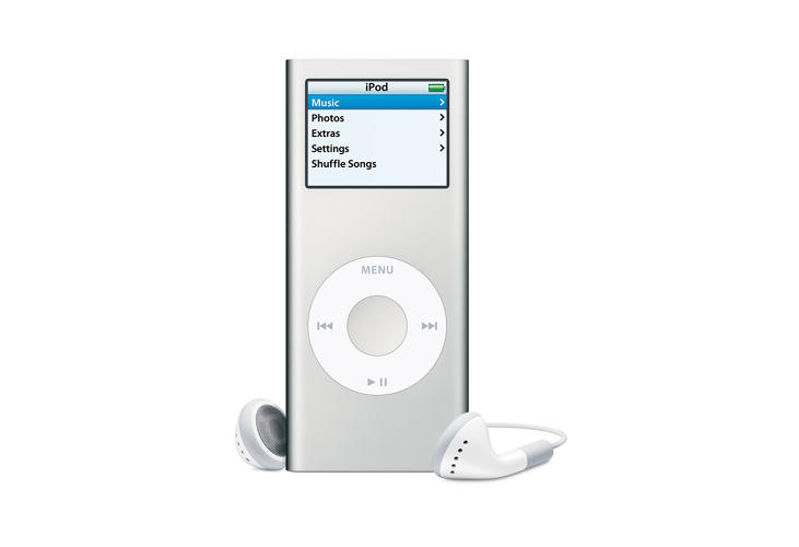 <p>Replacing the signature milky white of the previous generation, the second gen of iPod Nano saw a slightly redesigned case made of aluminum and had more colors and storage.</p>