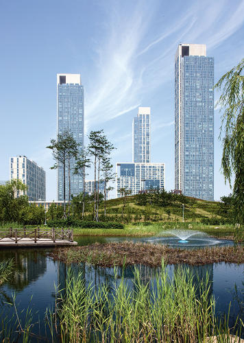 <p>Urban Makeovers | <strong>Songdo International Business District</strong></p>