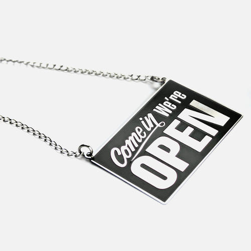 <p><strong><a href=&quot;http://fab.com/product/open-closed-necklace-black-451215&quot; target=&quot;_blank&quot;>Open Closed Necklace Black</a></strong> by Design Glut, $32</p>