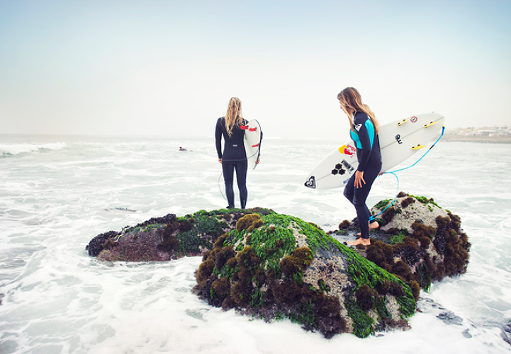 <p>Not just dudes: Agustin Munoz shoots top female surfers in Peru</p>