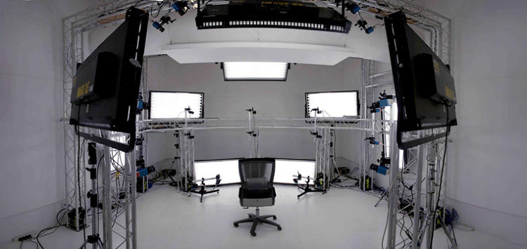 <p>Depth Analysis' MotionScan studio where 32 2M Pixel cameras capture the actor's close-up performance at every angle</p>