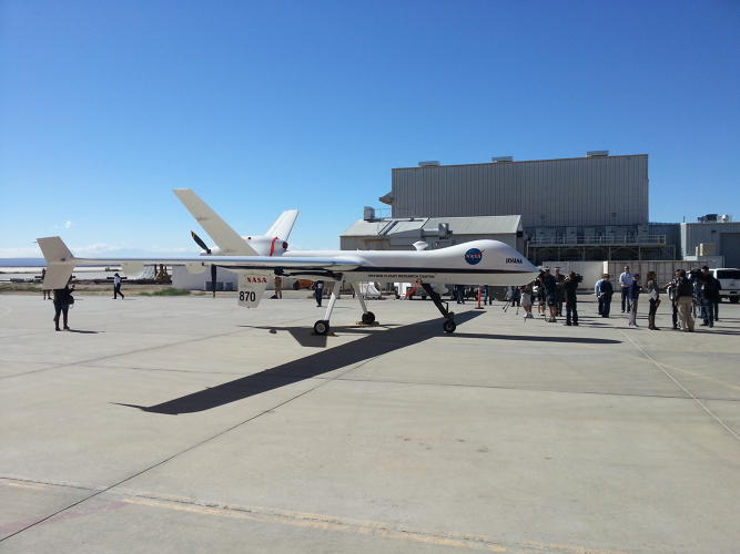 <p>Here's an idea of the Ikhana/Predator's size using bystanders for comparison at Edwards AFB.</p>