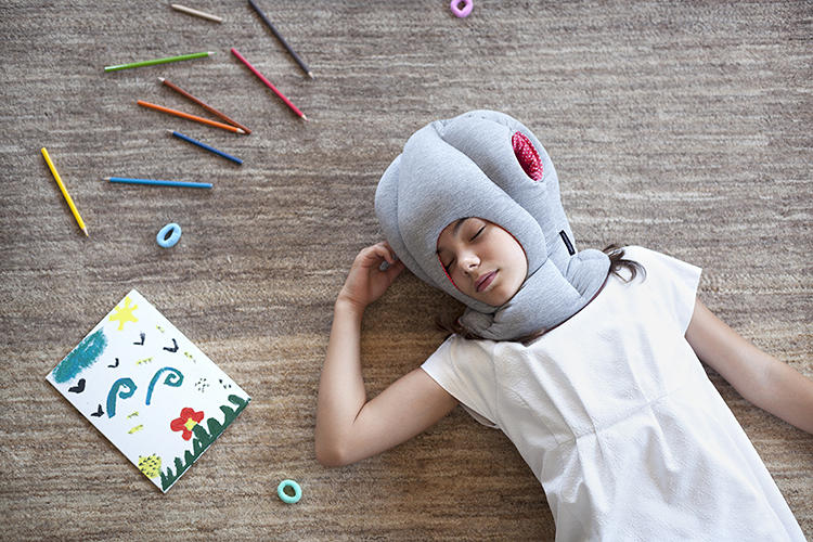 <p>The Junior model is a recent addition. It re-creates the form and function of the original Ostrich Pillow, only smaller.</p>