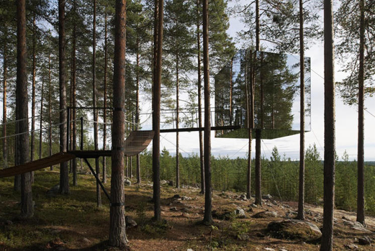 "<p>Mind-blowingly gorgeous tree ""hotels"" designed by Sweden's leading architects, located 15 feet above the ground.</p>"
