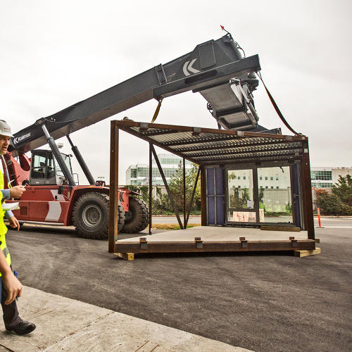 <p>This crane was testing how mods might be carefully placed on the on-site structure.</p>