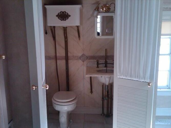 <p>From reader @BritinBucks: World Toilet Day #checkoutmytoilet My #BucksCounty recycled Victorian w/pull chain</p>