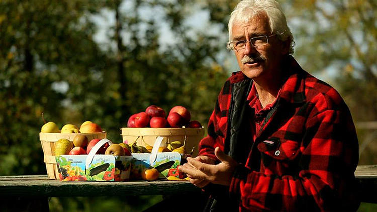 <p>Unlike a typical organic orchard, which might grow just a few varieties of apples, he's built up some true diversity: 100 cultivars of fruit trees grow with herbs and vegetables, and are fertilized and pollinated by local birds and bees.</p>