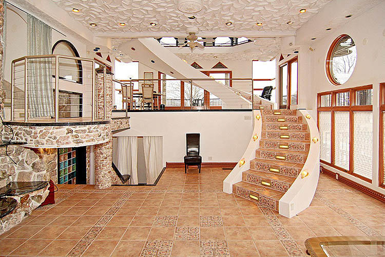 <p>Just about every room contains its own staircase.</p>