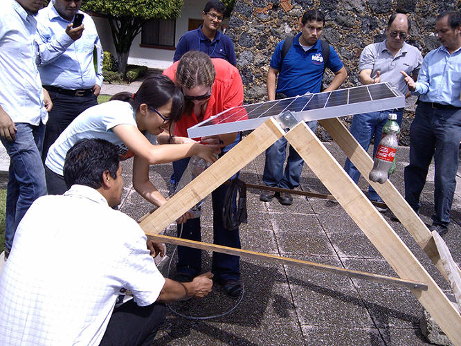 <p>By rotating solar panels with the movement of the sun, the device can improve electricity generation by up to 40%. All that's really involved is a bamboo stand to hold the panel, and a few plastic bottles.</p>