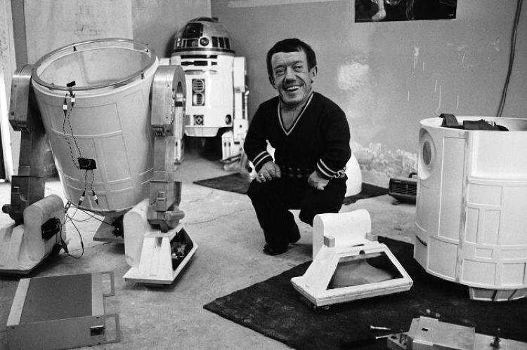 <p>Kenny Baker as he looks outside of his R2-D2 costume.</p>