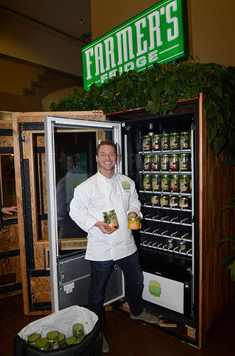 <p>The food is also always fresh: After discounting salads and snacks at the end of the day, the company donates any unsold meals to a local food kitchen.</p>