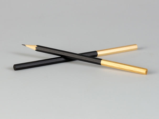 <p>The Easy Pencil's cleverness is that is solves a strange, self-inflicted problem: people are procrastinators. This design encourages writers to replace pencils on time.</p>